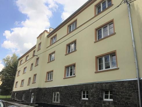 Dokončujeme desetimilionovou rekonstrukci bytového domu v ulici Tolstého