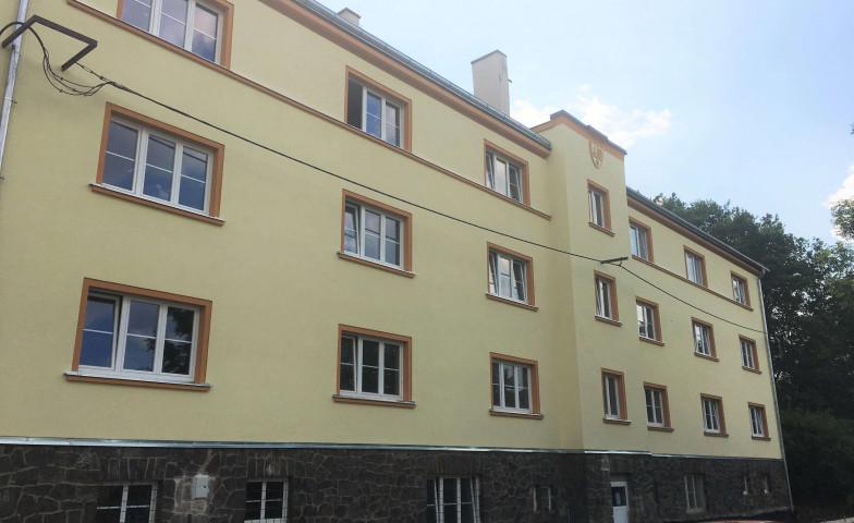 Společnost CPI Byty dokončuje desetimilionovou rekonstrukci bytového domu v ulici Tolstého